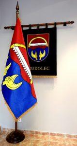 Vyšívané symboly obce Rudolec.